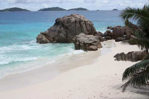 Voyage aux Seychelles hôtel La Digue Island Lodge des vacances organisées par une agence voyage spécialisée routedesseychelles.com