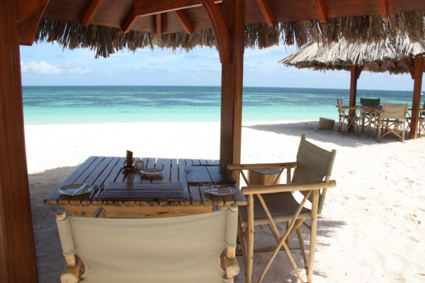 Voyage aux Seychelles hôtel Desroches Island Resort des vacances organisées par une agence voyage spécialisée routedesseychelles.com