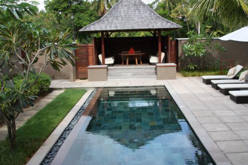 Séjour aux Seychelles hôtel Constance Ephelia Resort organisé par une agence voyage spécialisée routedesseychelles.com