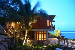 Séjour aux Seychelles hôtel Double Tree by Hilton à Anse Forban organisé par une agence voyage spécialisée routedesseychelles.com